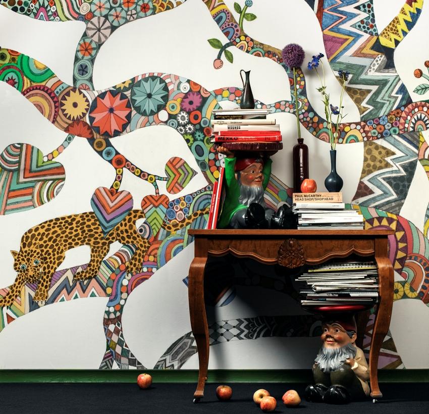 средство, декоративные рисунки на стенах фото шелковистые пряди
