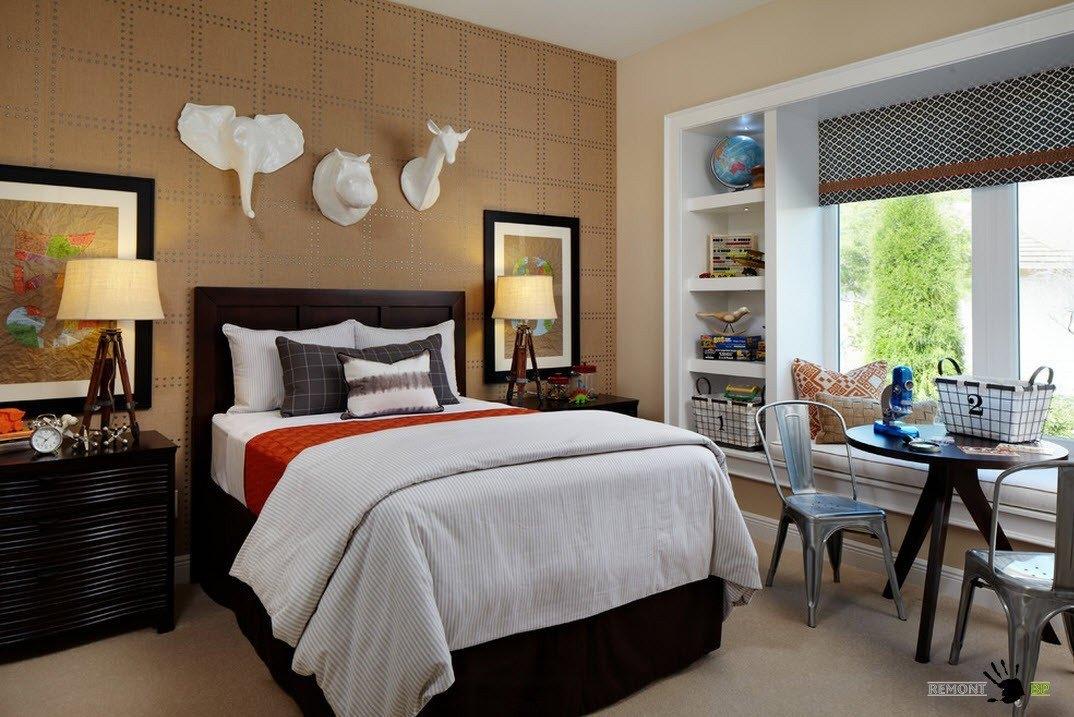 декор стен в спальне фото сделано, тем более