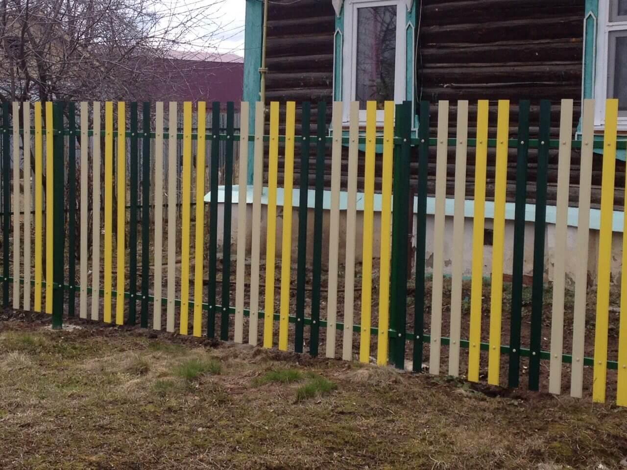Какого цвета покрасить деревянный забор фото