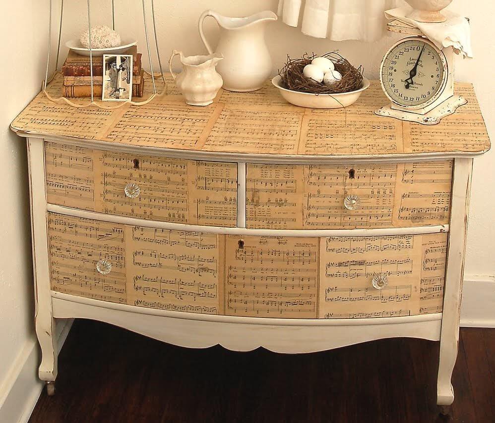 Декорирование старой мебели декупажными салфетками