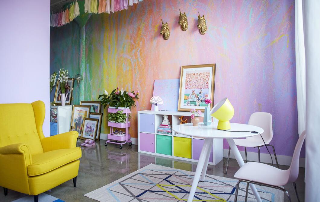 Покраска стен узорами с пятнами и градиентом