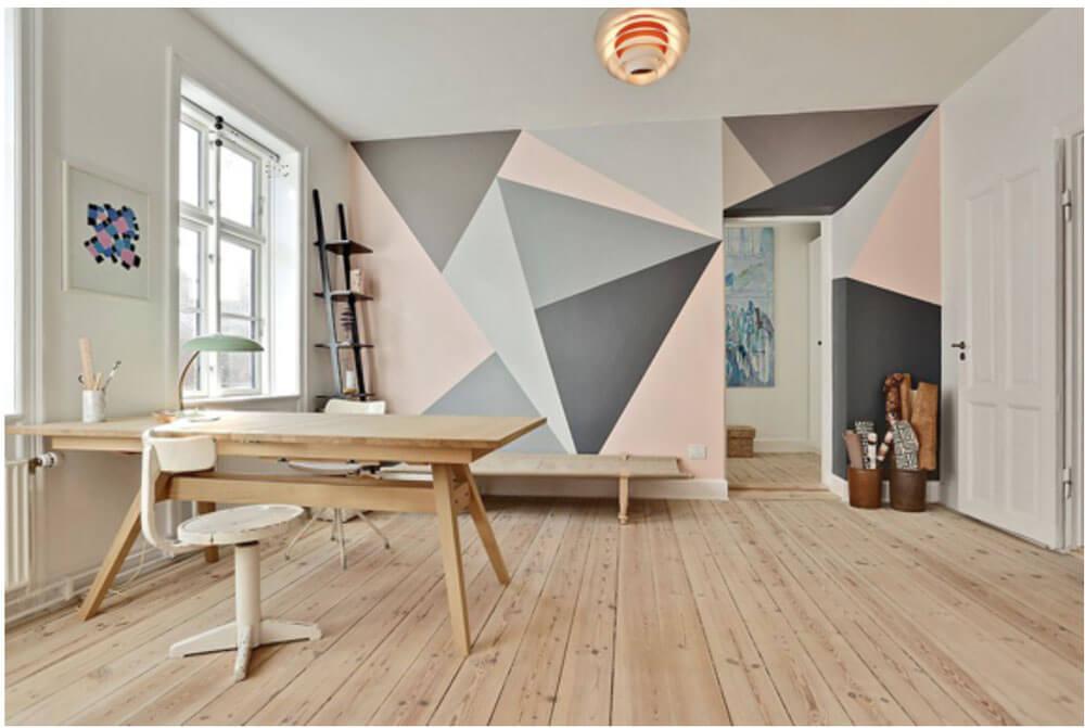 Геометрическая роспись стен в виде треугольников