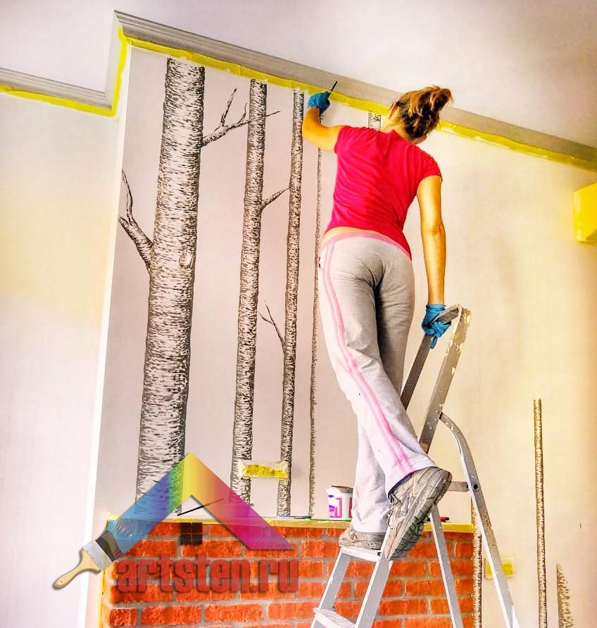 нанесение росписи стен в интерьере деревья