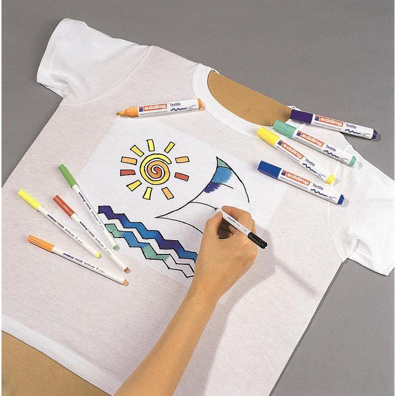 роспись футболки маркерами по ткани